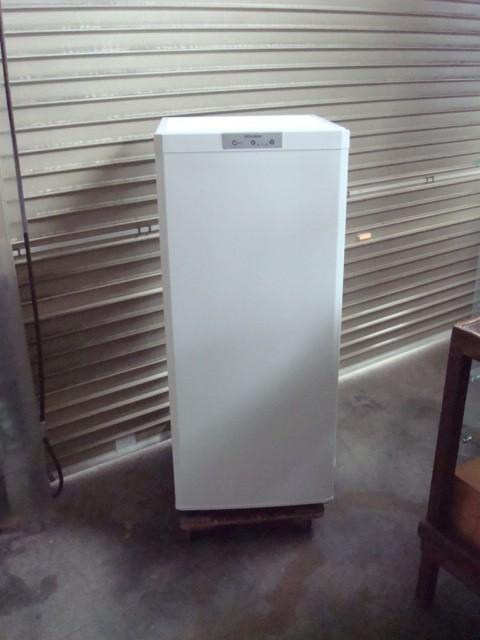 三菱の冷凍庫を買取